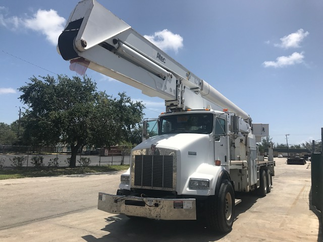 2003 KW T800 Altec Bucket Truck