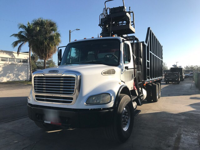 2004 Freightliner M2 Tandem Axle Grapple
